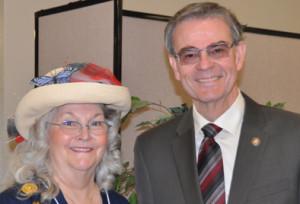 DAR Regent Diane Cohen and Paso Robles Mayor Steve Martin